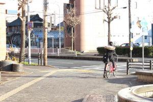 高畑駅の交差点